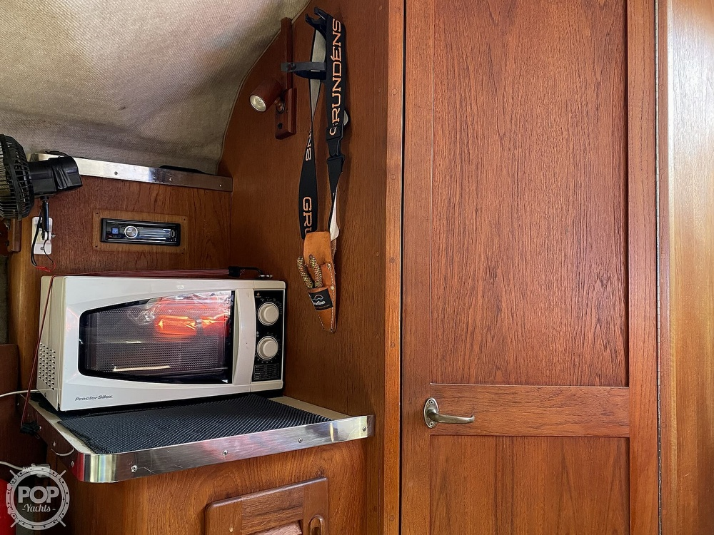 1984 Tiara Yachts boat for sale, model of the boat is 2700 Continental Fish & Cruise & Image # 36 of 40