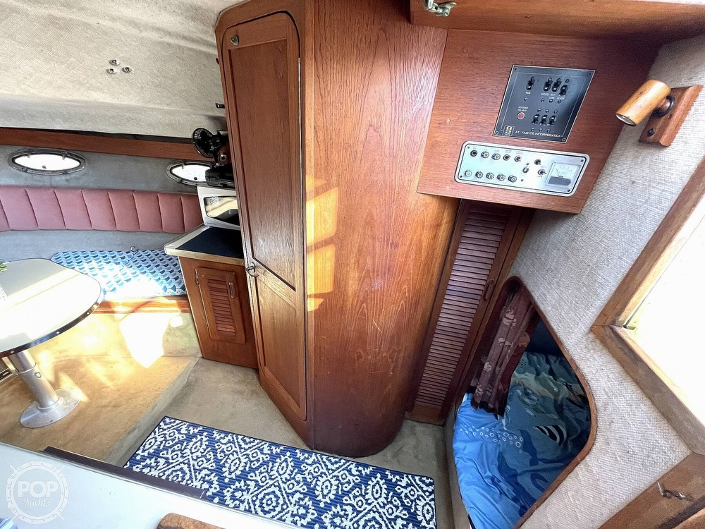 1984 Tiara Yachts boat for sale, model of the boat is 2700 Continental Fish & Cruise & Image # 33 of 40