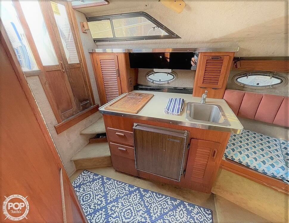 1984 Tiara Yachts boat for sale, model of the boat is 2700 Continental Fish & Cruise & Image # 9 of 40
