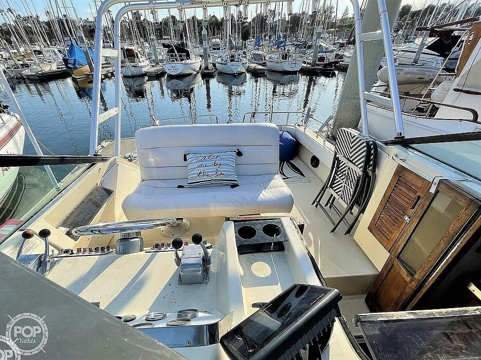 1984 Tiara Yachts boat for sale, model of the boat is 2700 Continental Fish & Cruise & Image # 10 of 40