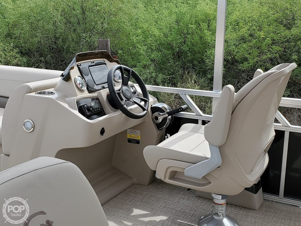 2021 Tahoe boat for sale, model of the boat is Grand Island & Image # 9 of 40