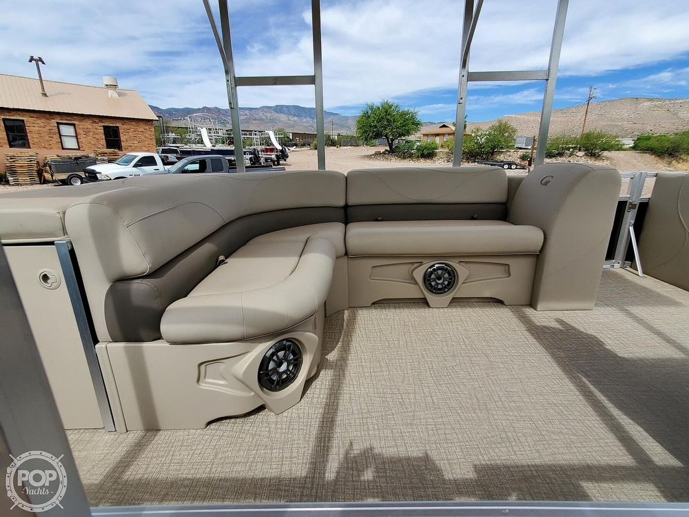 2021 Tahoe boat for sale, model of the boat is GT 2580 CR & Image # 8 of 40