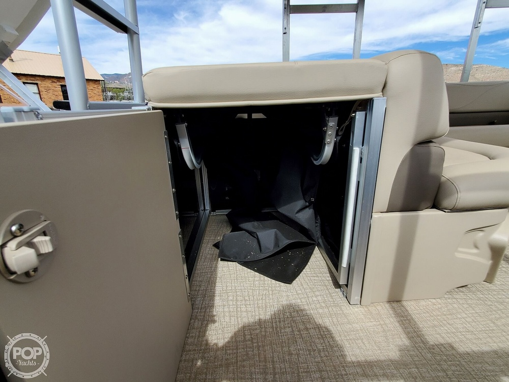 2021 Tahoe boat for sale, model of the boat is GT 2580 CR & Image # 14 of 40