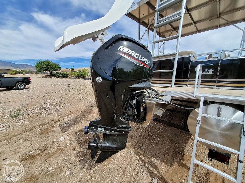 2021 Tahoe boat for sale, model of the boat is GT 2580 CR & Image # 16 of 40