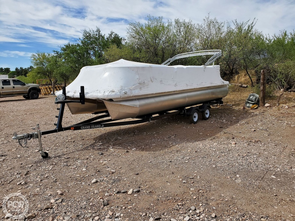 2021 Tahoe boat for sale, model of the boat is GT 2580 CR & Image # 32 of 40