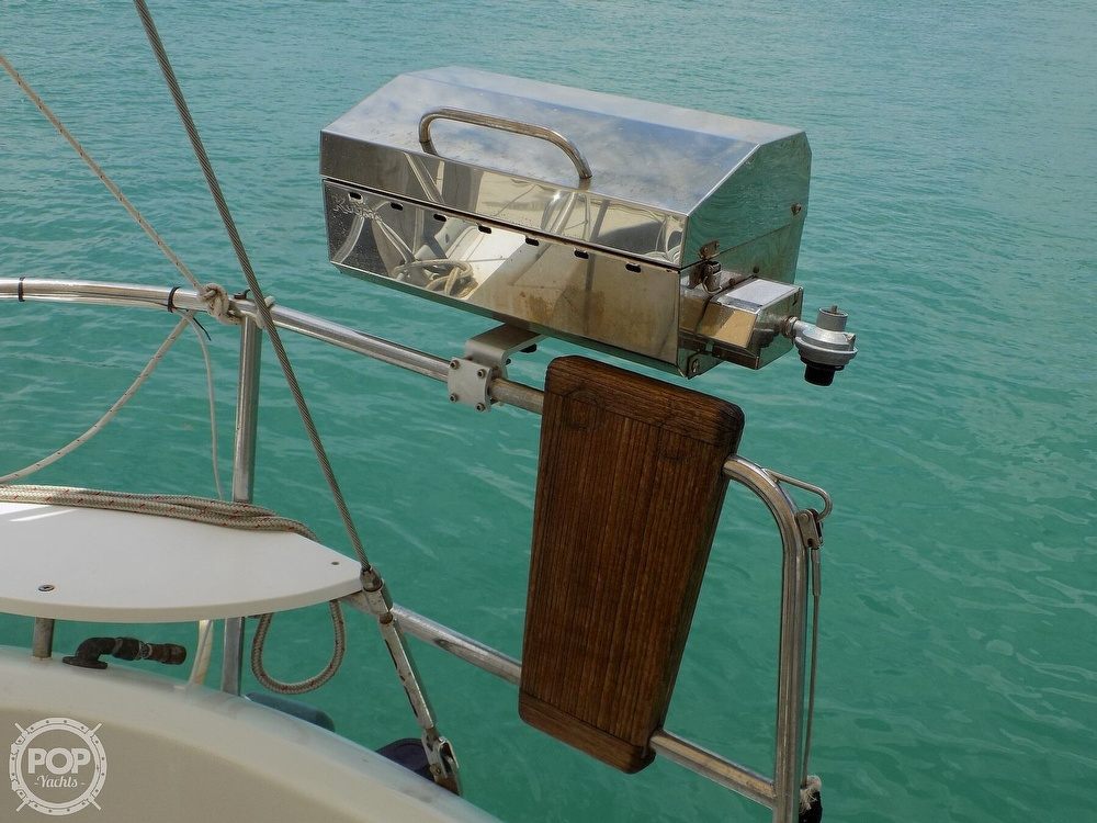 1996 Beneteau boat for sale, model of the boat is Oceanis 400 & Image # 21 of 40
