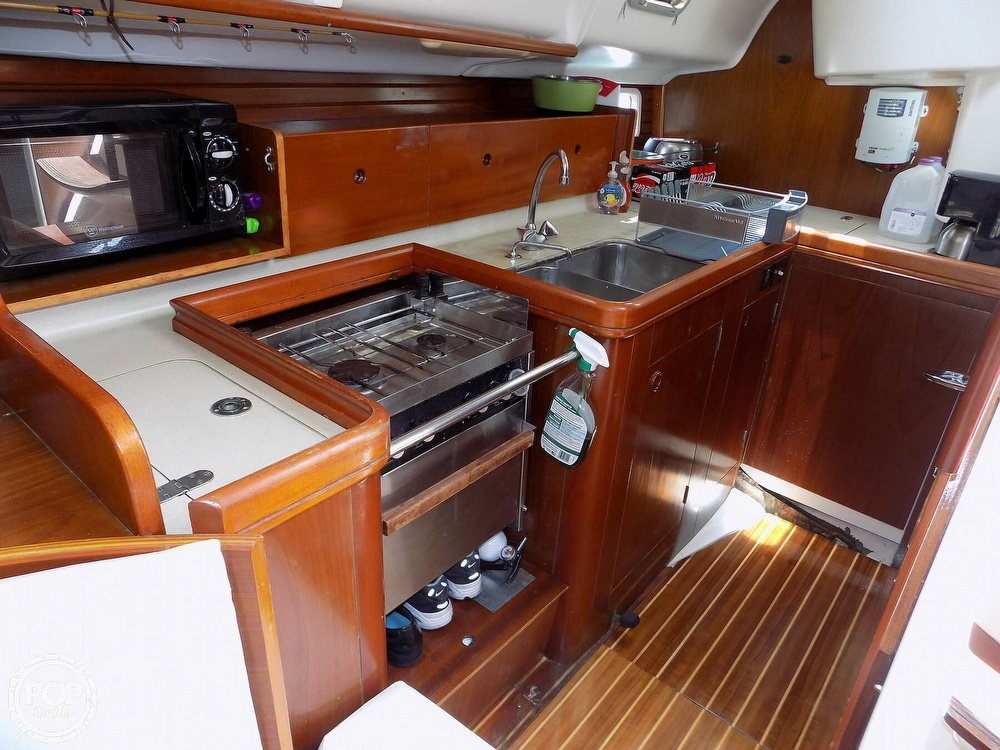 1996 Beneteau boat for sale, model of the boat is Oceanis 400 & Image # 26 of 40
