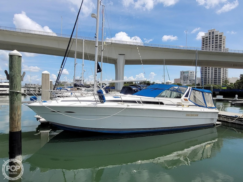 1990 Sea Ray boat for sale, model of the boat is 390 Express & Image # 4 of 40