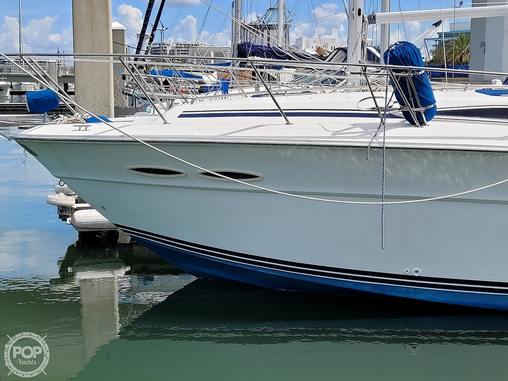 1990 Sea Ray boat for sale, model of the boat is 390 Express & Image # 5 of 40