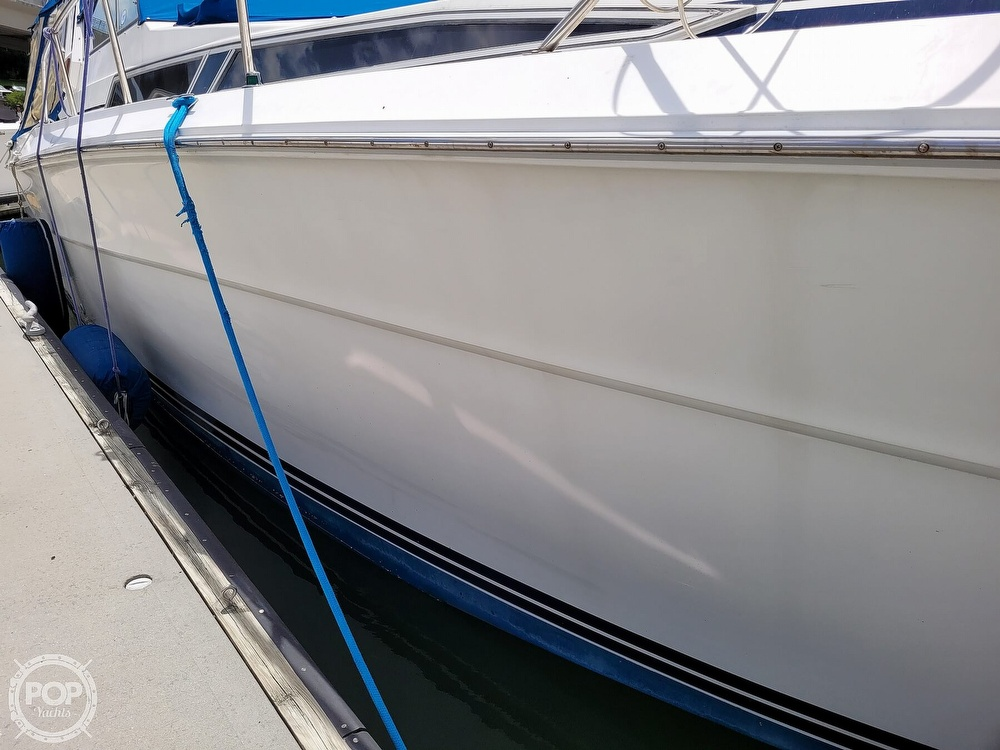 1990 Sea Ray boat for sale, model of the boat is 390 Express & Image # 14 of 40