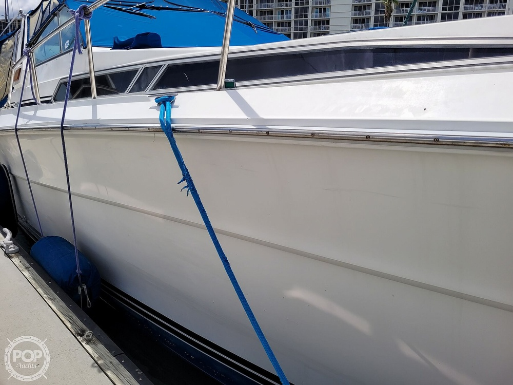 1990 Sea Ray boat for sale, model of the boat is 390 Express & Image # 15 of 40