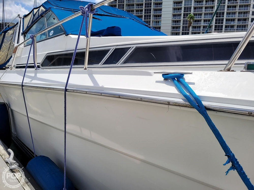 1990 Sea Ray boat for sale, model of the boat is 390 Express & Image # 16 of 40