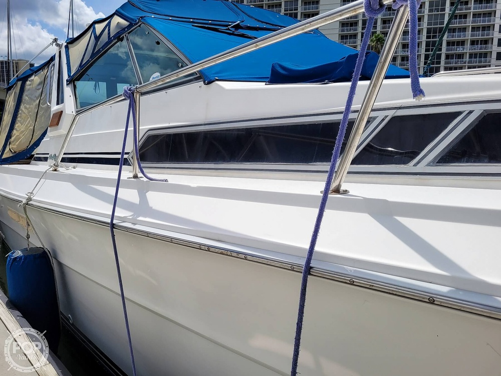 1990 Sea Ray boat for sale, model of the boat is 390 Express & Image # 17 of 40