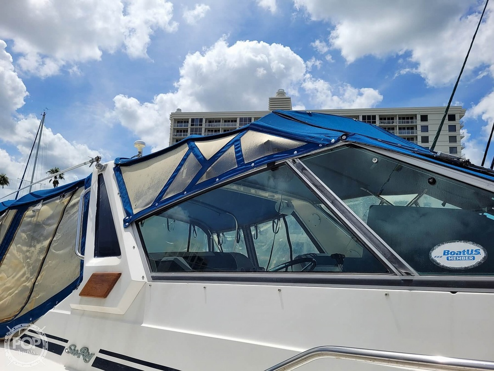 1990 Sea Ray boat for sale, model of the boat is 390 Express & Image # 19 of 40