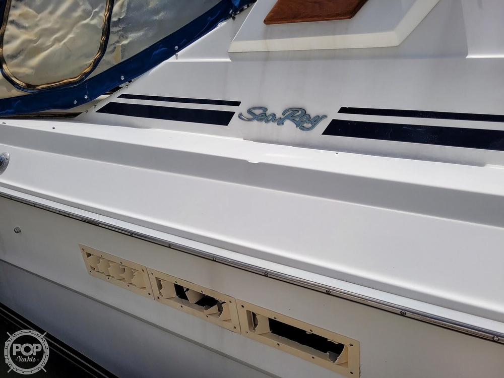 1990 Sea Ray boat for sale, model of the boat is 390 Express & Image # 21 of 40