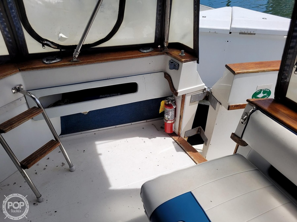 1990 Sea Ray boat for sale, model of the boat is 390 Express & Image # 34 of 40