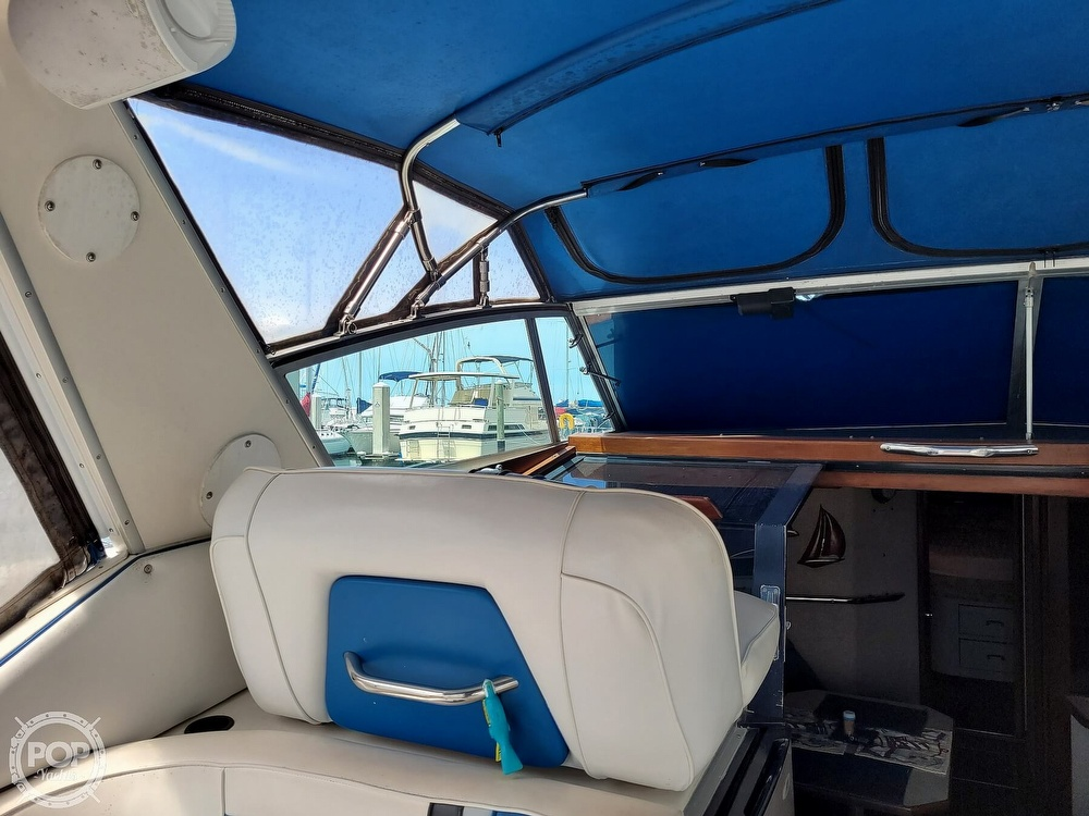 1990 Sea Ray boat for sale, model of the boat is 390 Express & Image # 38 of 40