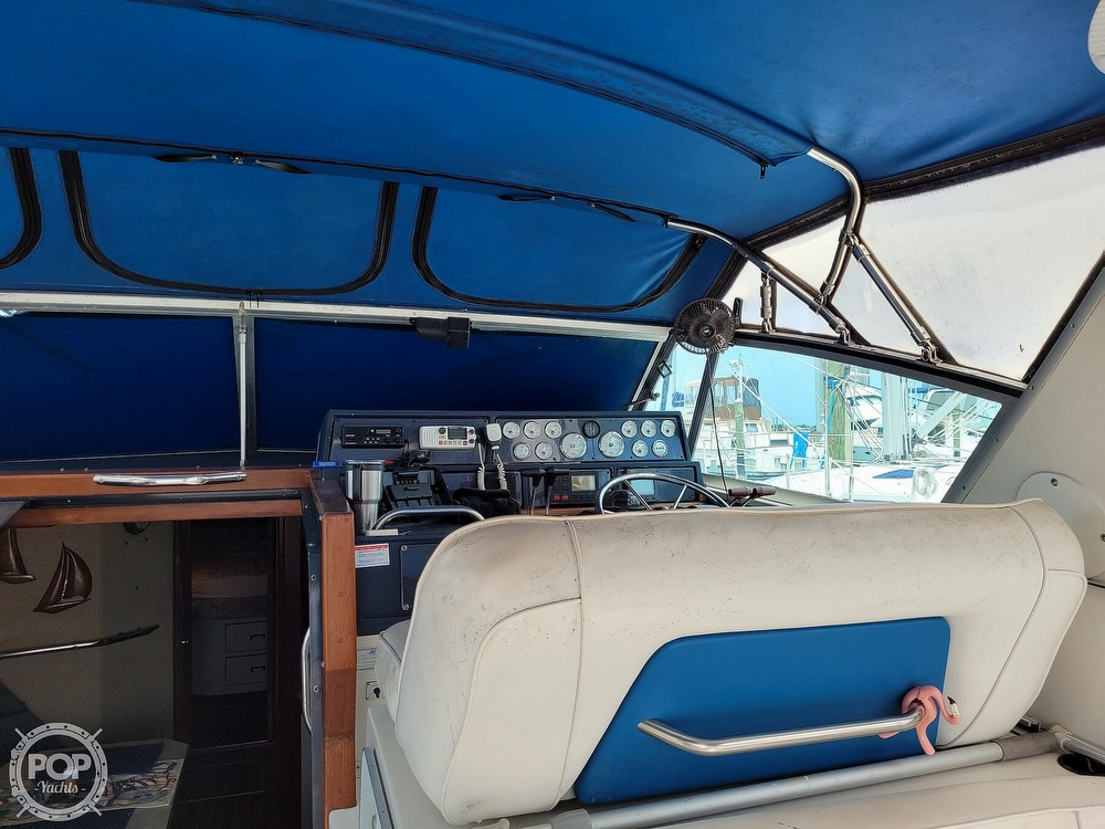 1990 Sea Ray boat for sale, model of the boat is 390 Express & Image # 39 of 40