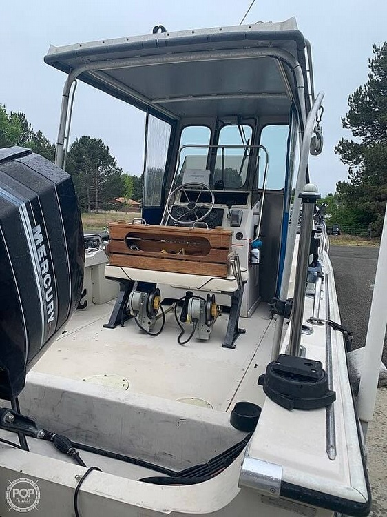 1992 Boston Whaler boat for sale, model of the boat is 19 Outrage & Image # 3 of 7