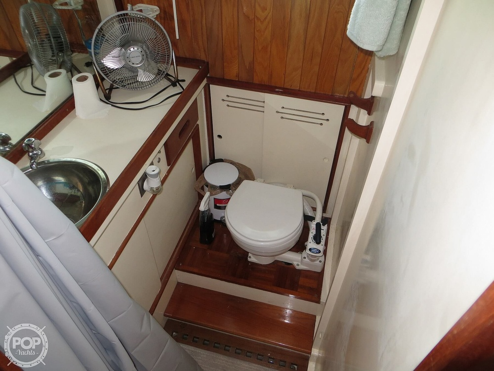 1972 Grand Banks boat for sale, model of the boat is 36 Classic & Image # 9 of 40