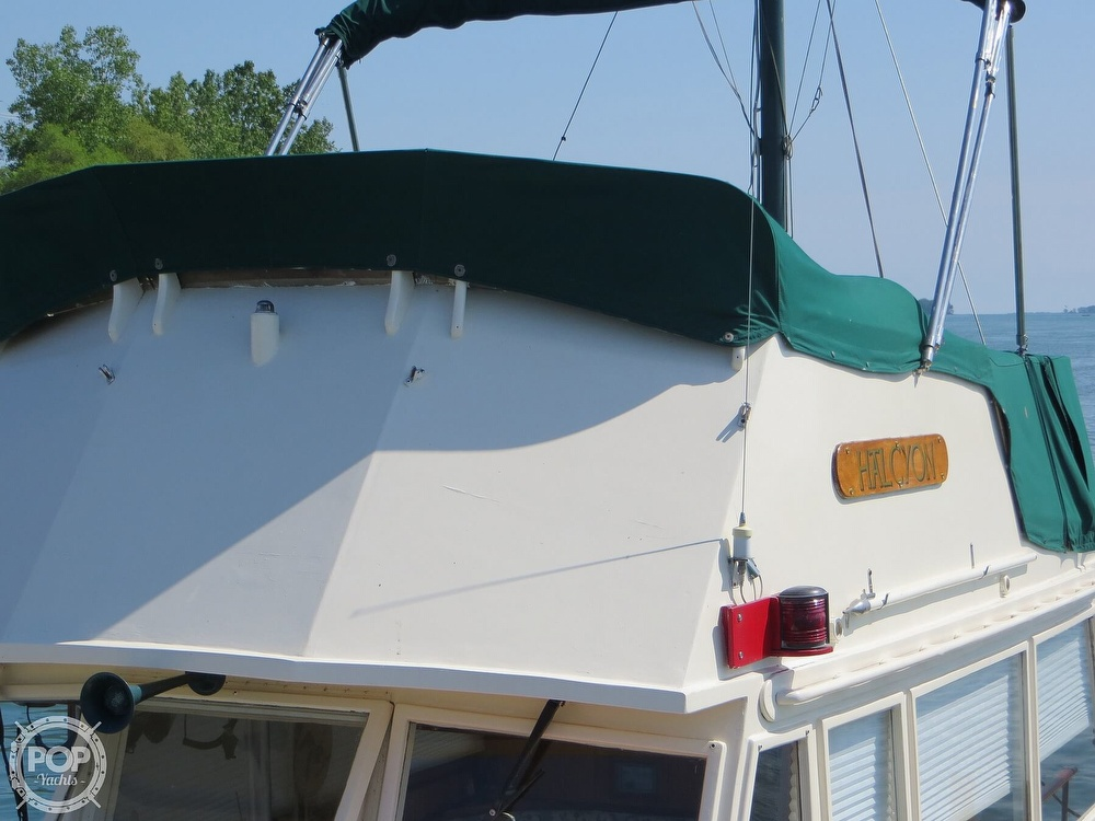 1972 Grand Banks boat for sale, model of the boat is 36 Classic & Image # 16 of 40