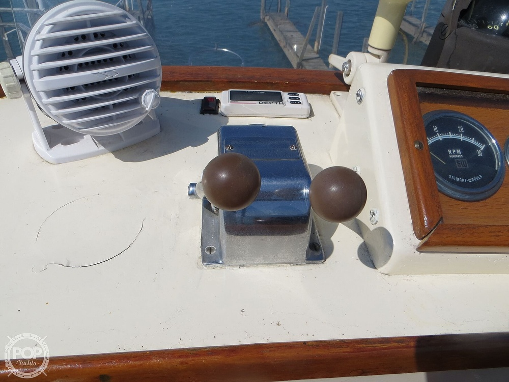 1972 Grand Banks boat for sale, model of the boat is 36 Classic & Image # 24 of 40