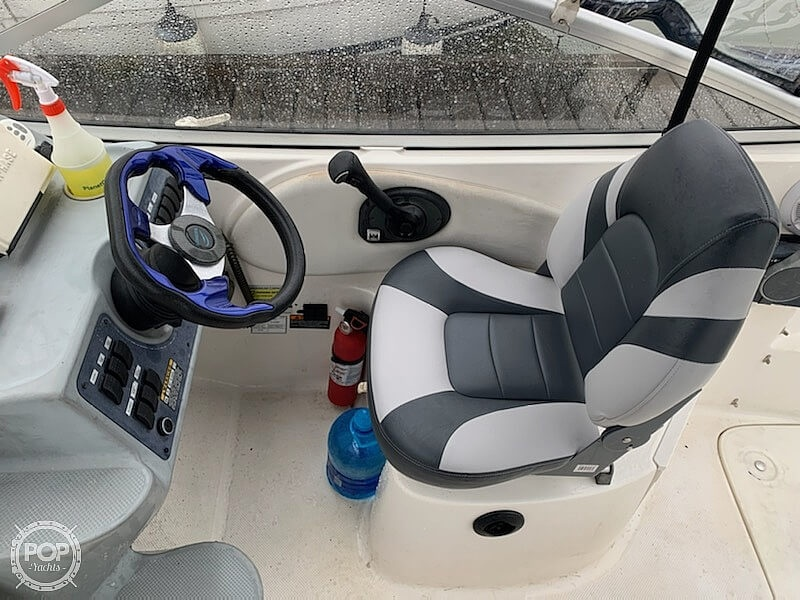 2004 Bayliner boat for sale, model of the boat is 245 Sunbridge & Image # 4 of 22