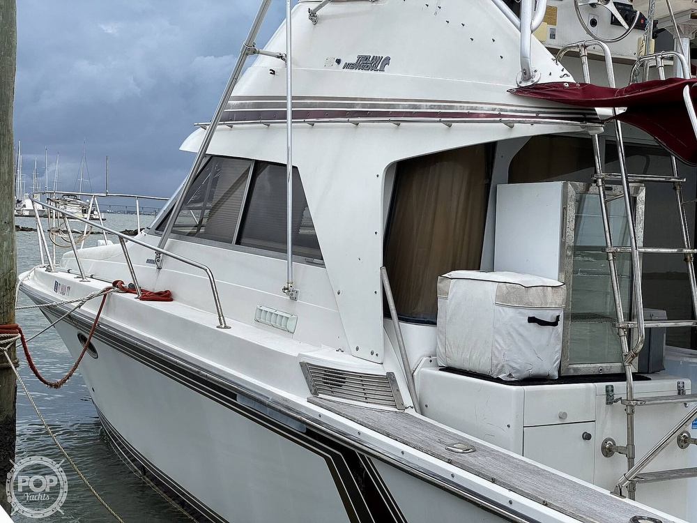 1987 Trojan boat for sale, model of the boat is 10.8-METER CNV & Image # 3 of 40