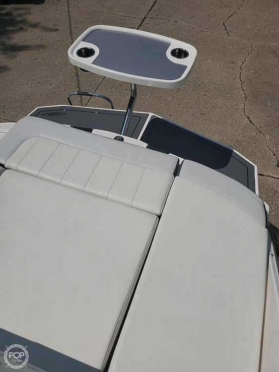 2014 27 foot Regal Fasdeck RX - image 5