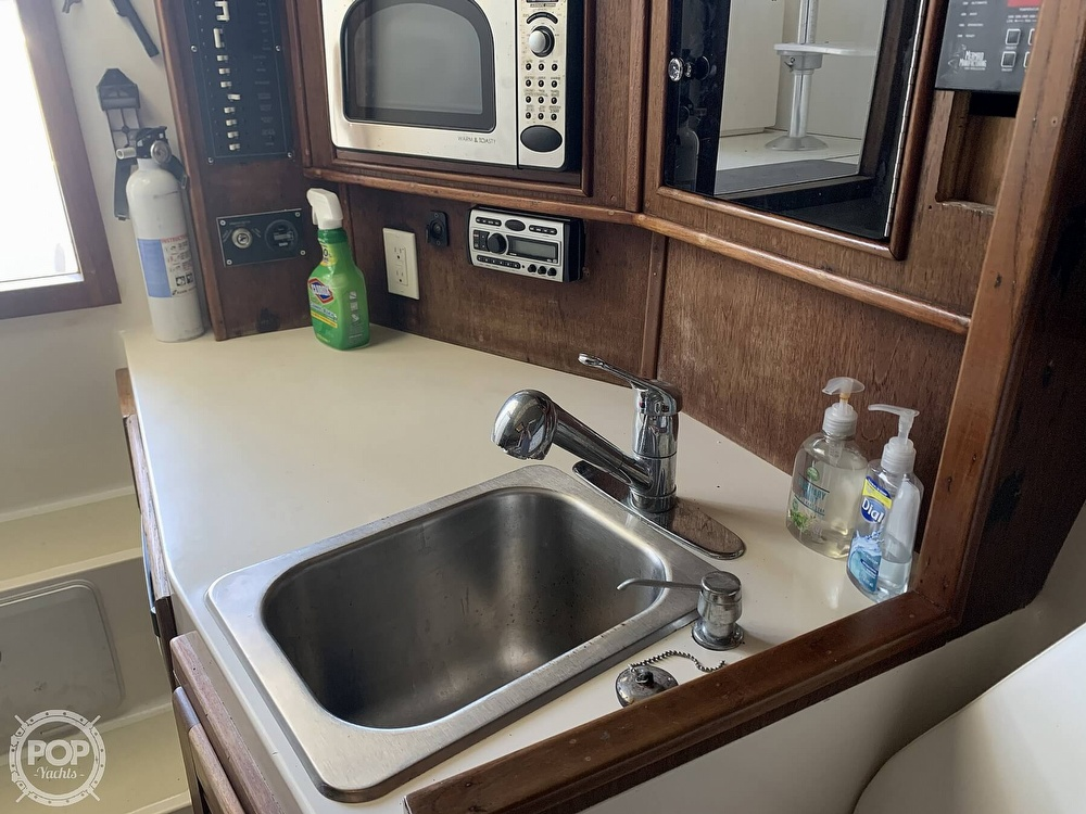 1997 Carolina Classic boat for sale, model of the boat is 28 & Image # 12 of 40