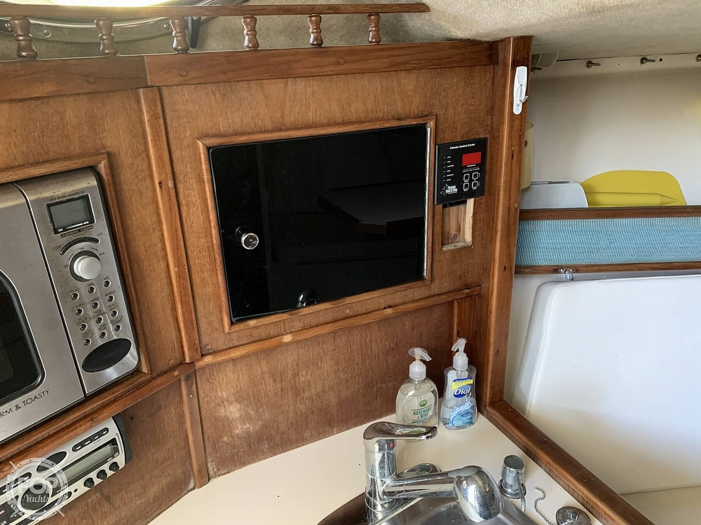 1997 Carolina Classic boat for sale, model of the boat is 28 & Image # 18 of 40