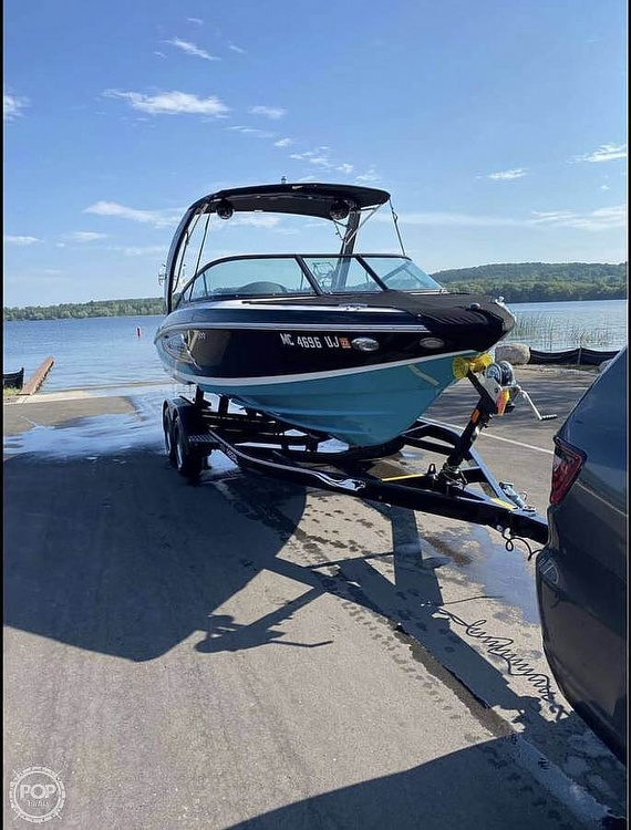2019 Regal boat for sale, model of the boat is Surf RX21 & Image # 4 of 10