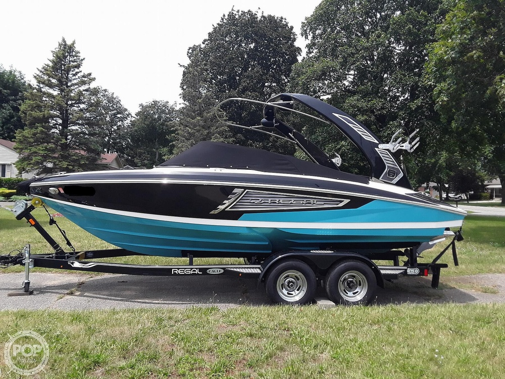 2019 Regal boat for sale, model of the boat is RX 2100 Surf & Image # 9 of 40