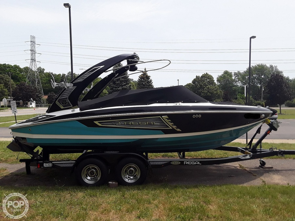 2019 Regal boat for sale, model of the boat is RX 2100 Surf & Image # 10 of 40