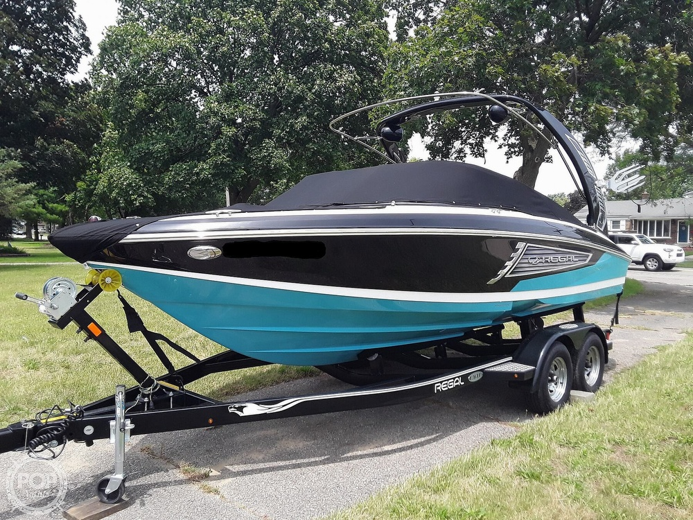 2019 Regal boat for sale, model of the boat is RX 2100 Surf & Image # 13 of 40