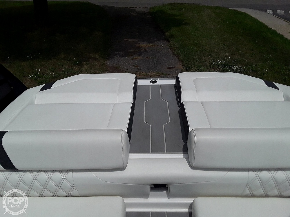 2019 Regal boat for sale, model of the boat is RX 2100 Surf & Image # 26 of 40