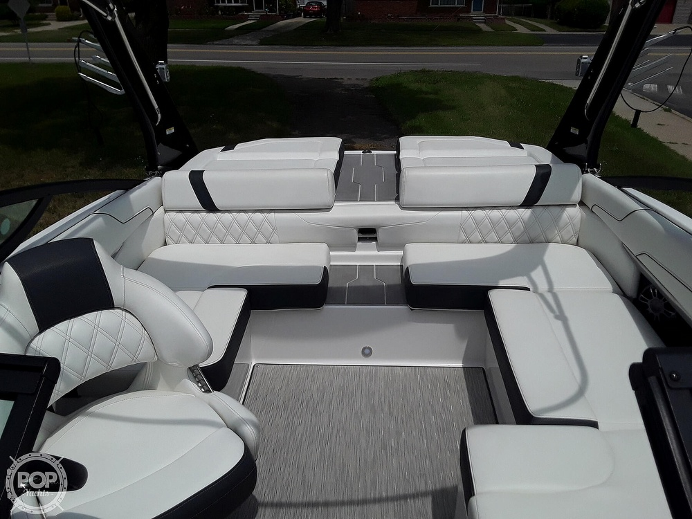 2019 Regal boat for sale, model of the boat is RX 2100 Surf & Image # 32 of 40