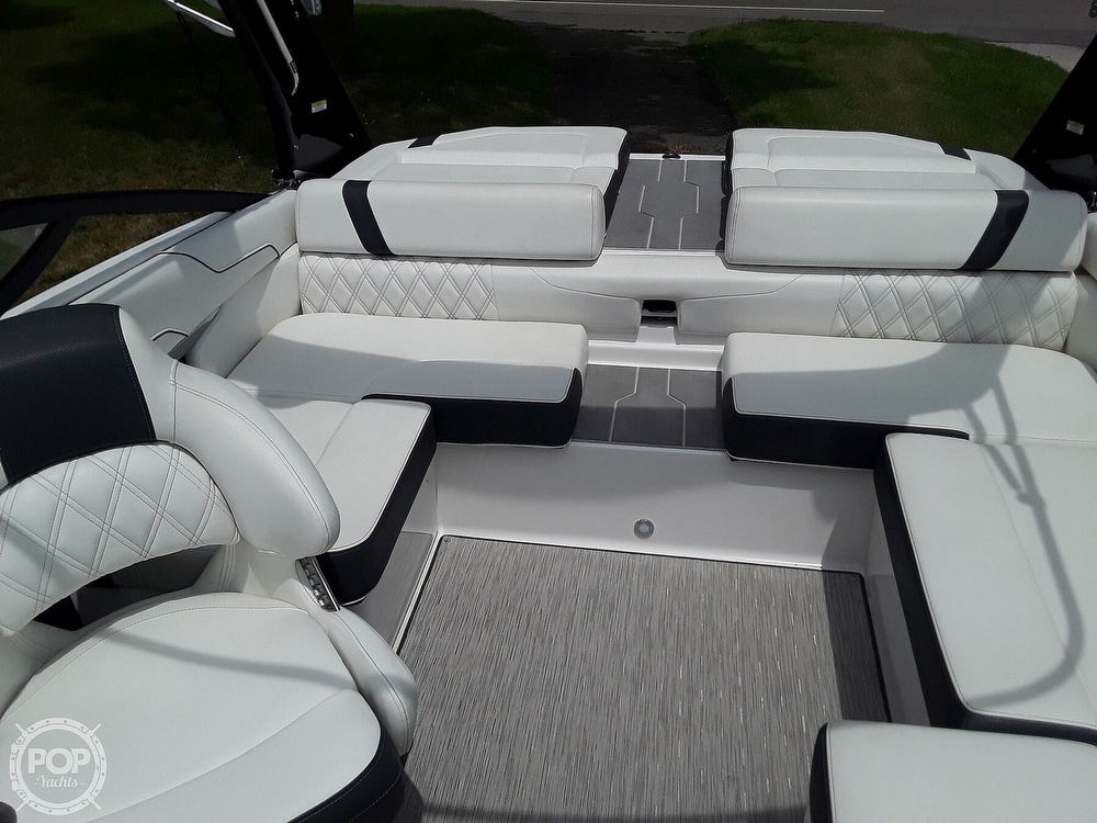 2019 Regal boat for sale, model of the boat is RX 2100 Surf & Image # 33 of 40