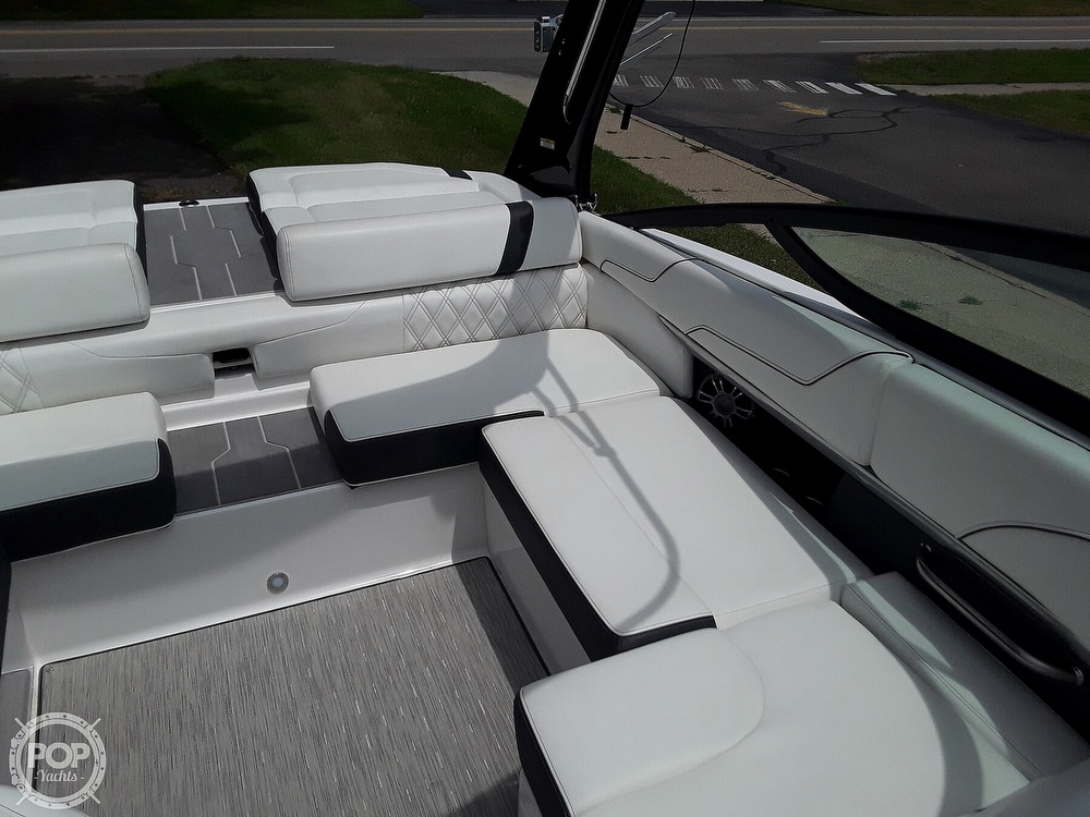 2019 Regal boat for sale, model of the boat is RX 2100 Surf & Image # 34 of 40