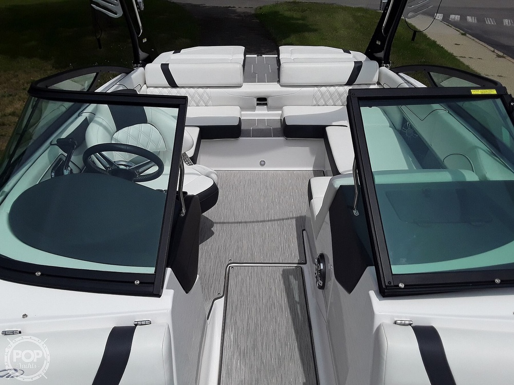 2019 Regal boat for sale, model of the boat is RX 2100 Surf & Image # 39 of 40