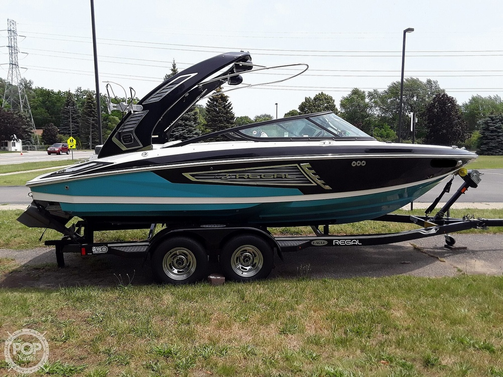 2019 Regal boat for sale, model of the boat is RX 2100 Surf & Image # 3 of 40