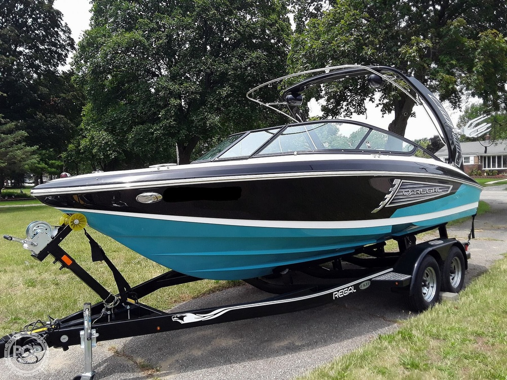 2019 Regal boat for sale, model of the boat is RX 2100 Surf & Image # 2 of 40