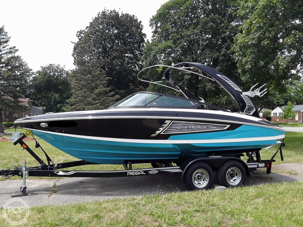 2019 Regal boat for sale, model of the boat is RX 2100 Surf & Image # 4 of 40