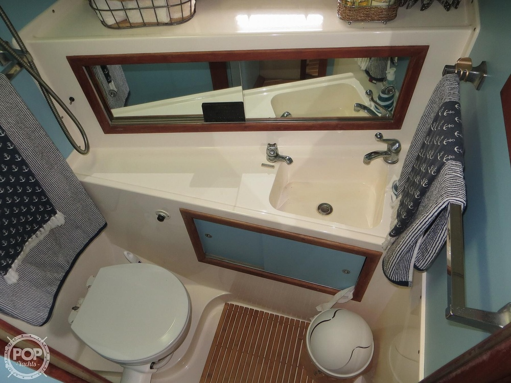 1975 Bertram boat for sale, model of the boat is 46 Convertible & Image # 11 of 40