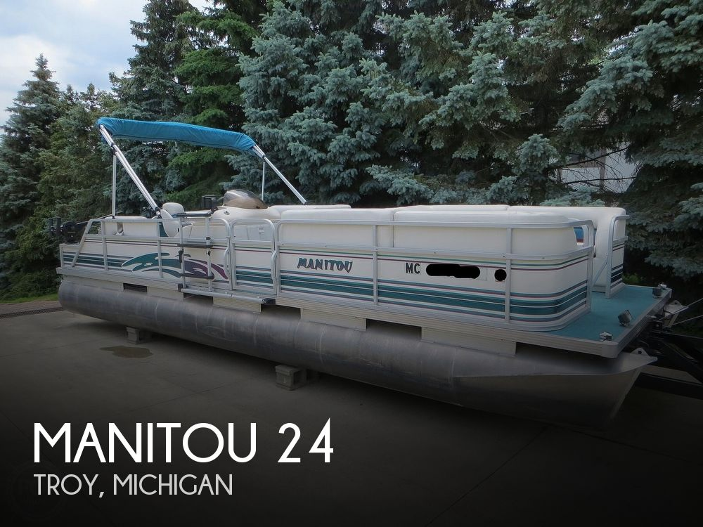 2000 Manitou boat for sale, model of the boat is 24 & Image # 1 of 40
