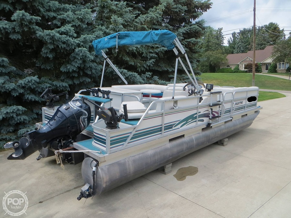 2000 Manitou boat for sale, model of the boat is 24 & Image # 2 of 40