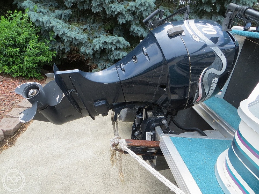 2000 Manitou boat for sale, model of the boat is 24 & Image # 12 of 40