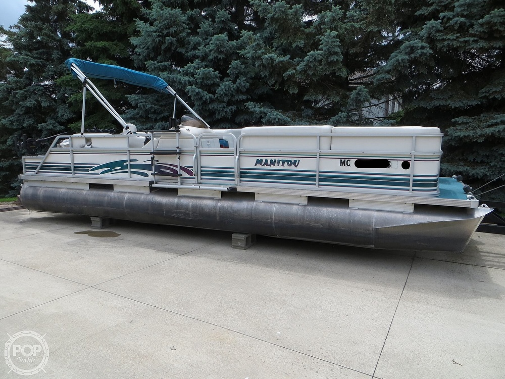 2000 Manitou boat for sale, model of the boat is 24 & Image # 13 of 40