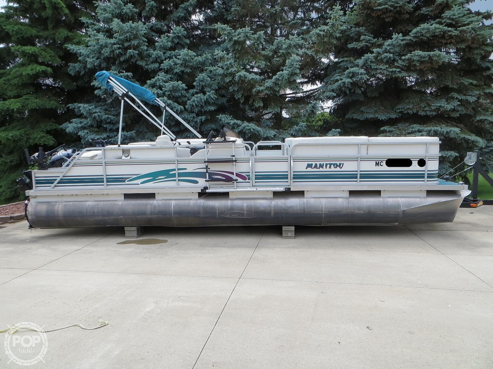 2000 Manitou boat for sale, model of the boat is 24 & Image # 16 of 40