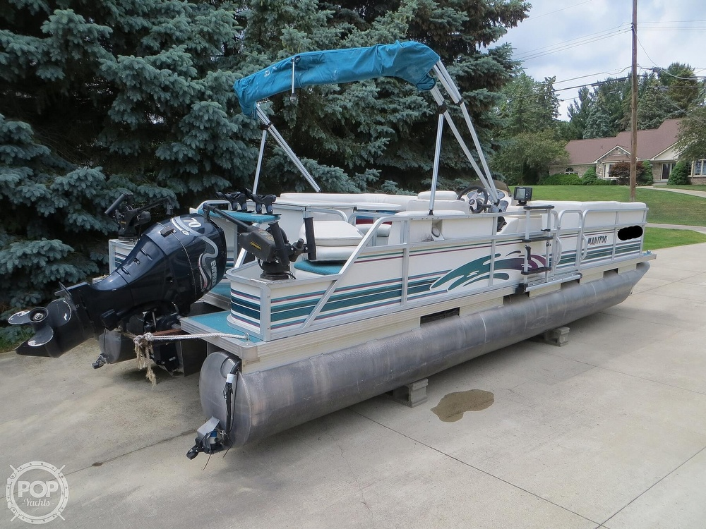 2000 Manitou boat for sale, model of the boat is 24 & Image # 17 of 40